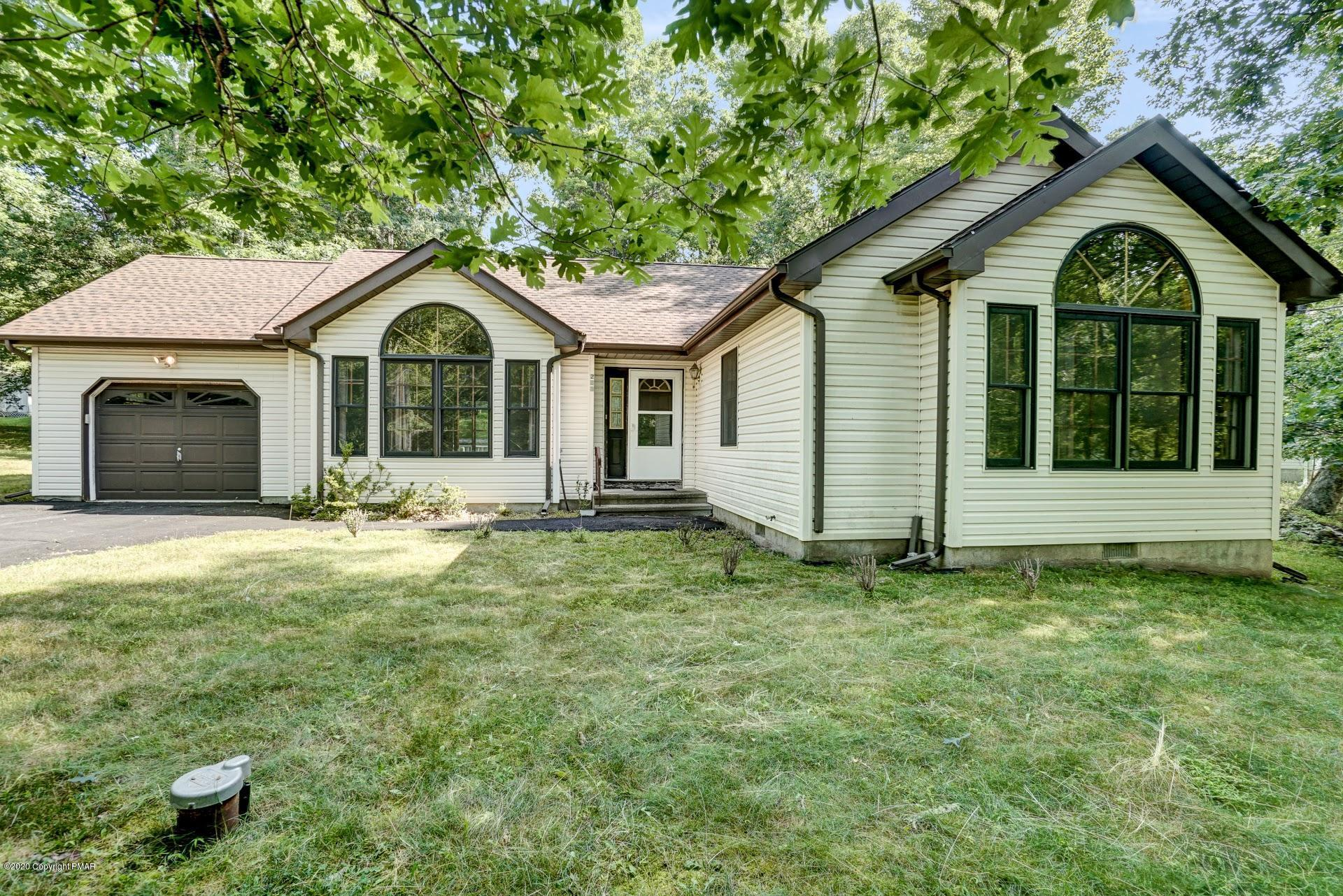 233 Bromley Rd, Henryville, PA 18332