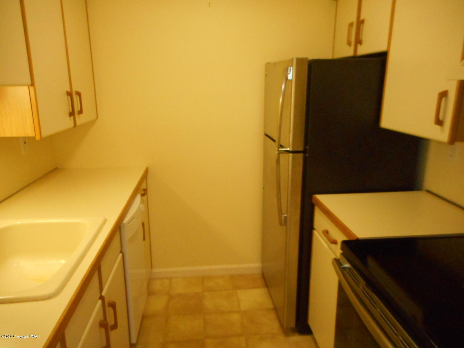 3 Village Circle Apt. #102, Stroudsburg, PA 18360