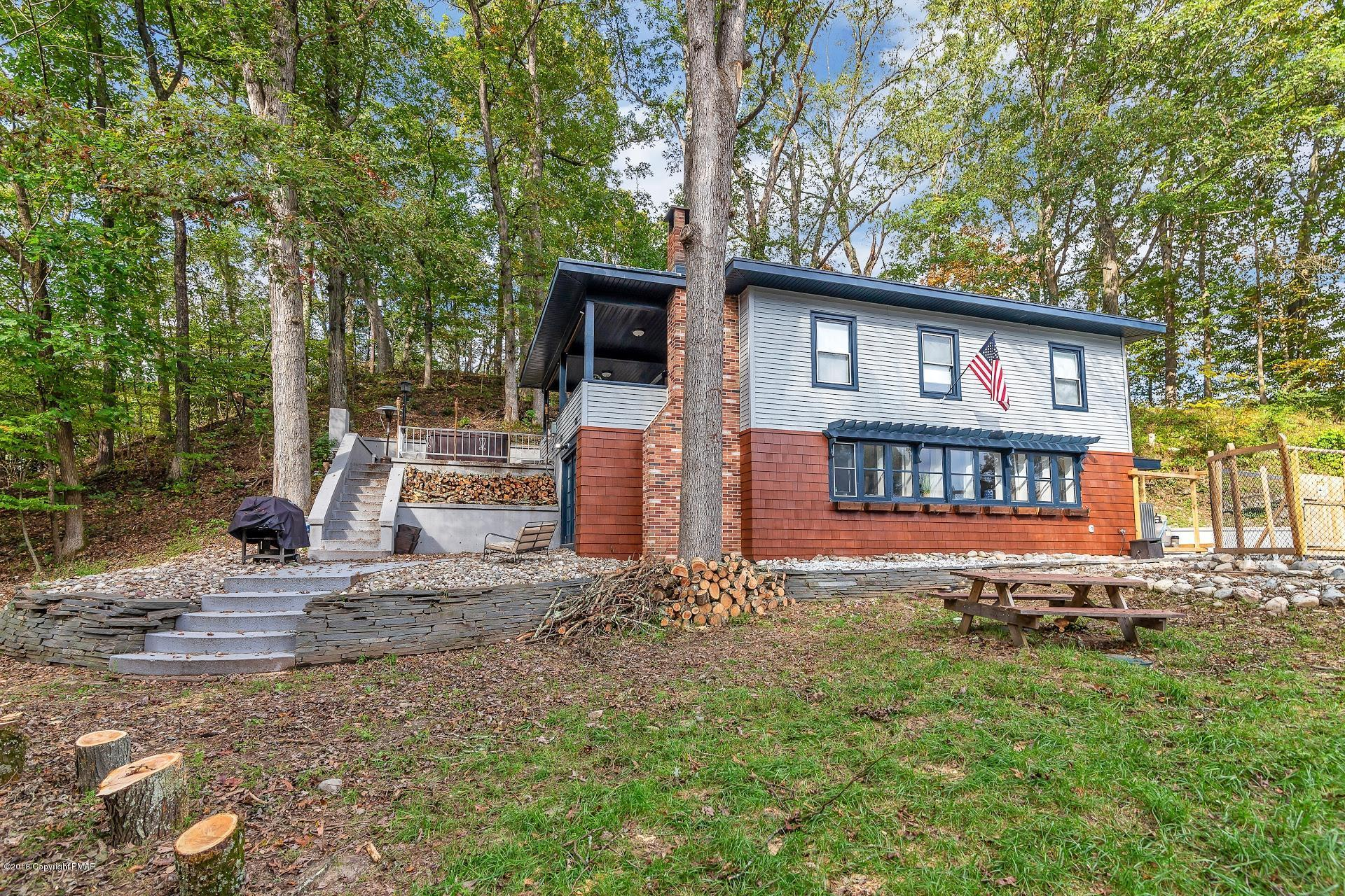 543 Fawn Rd, East Stroudsburg, PA 18301