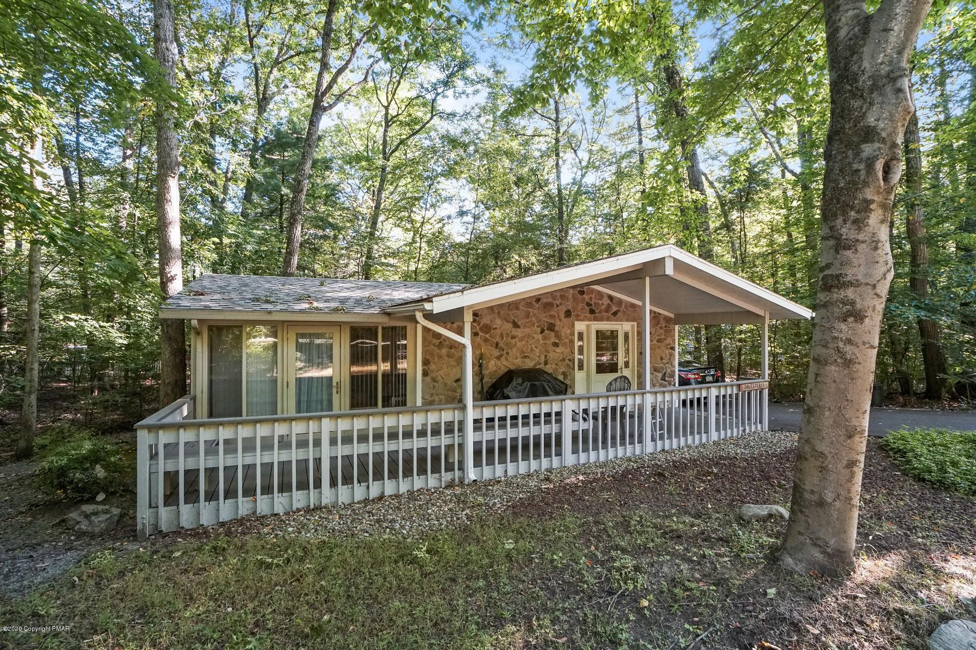 2506 Penn Hills Dr, Bartonsville, PA 18321