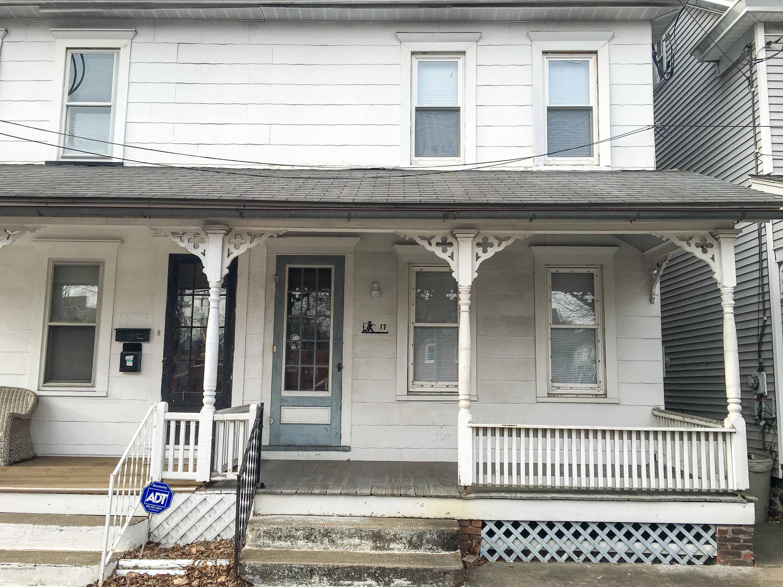 17 N 10th St, Stroudsburg, PA 18360
