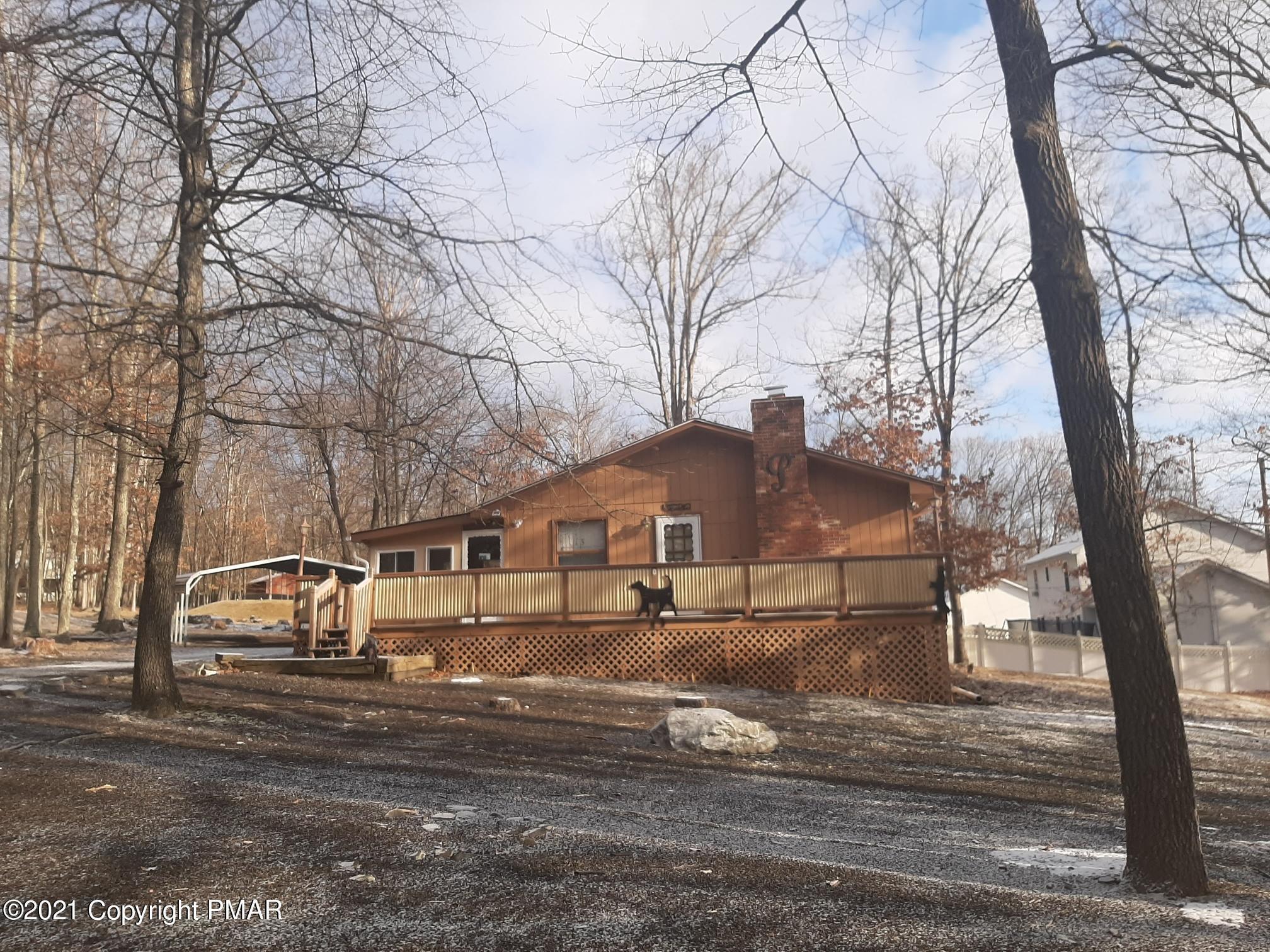 4112 E Pine Ridge Dr, Bushkill, PA 18324