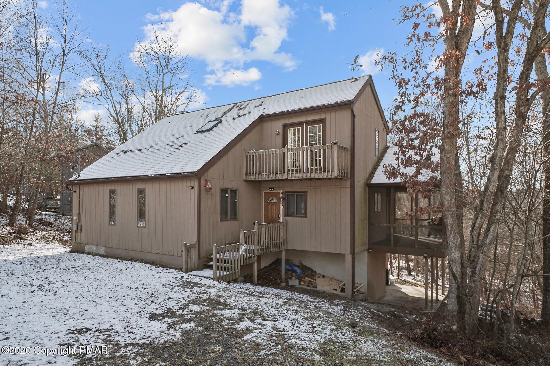 243 Brentwood Dr, Bushkill, PA 18324