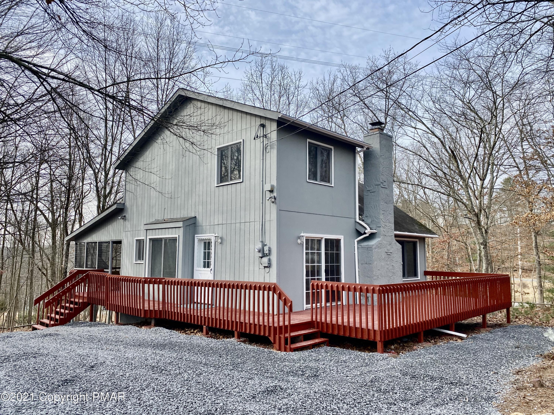 5110 Braintree Ct, Bushkill, PA 18324