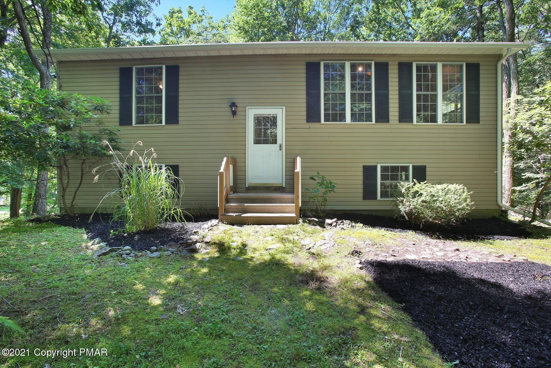 630 Wooddale Rd, East Stroudsburg, PA 18302