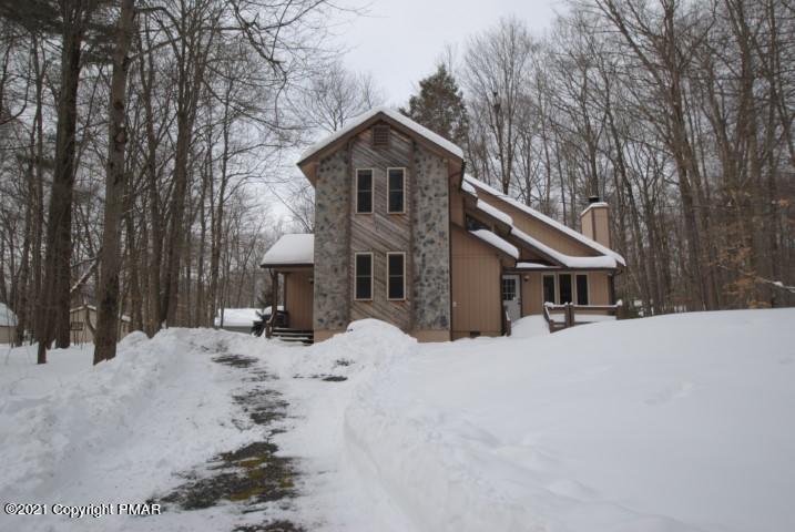 135 White Pine Dr, Pocono Lake, PA 18347