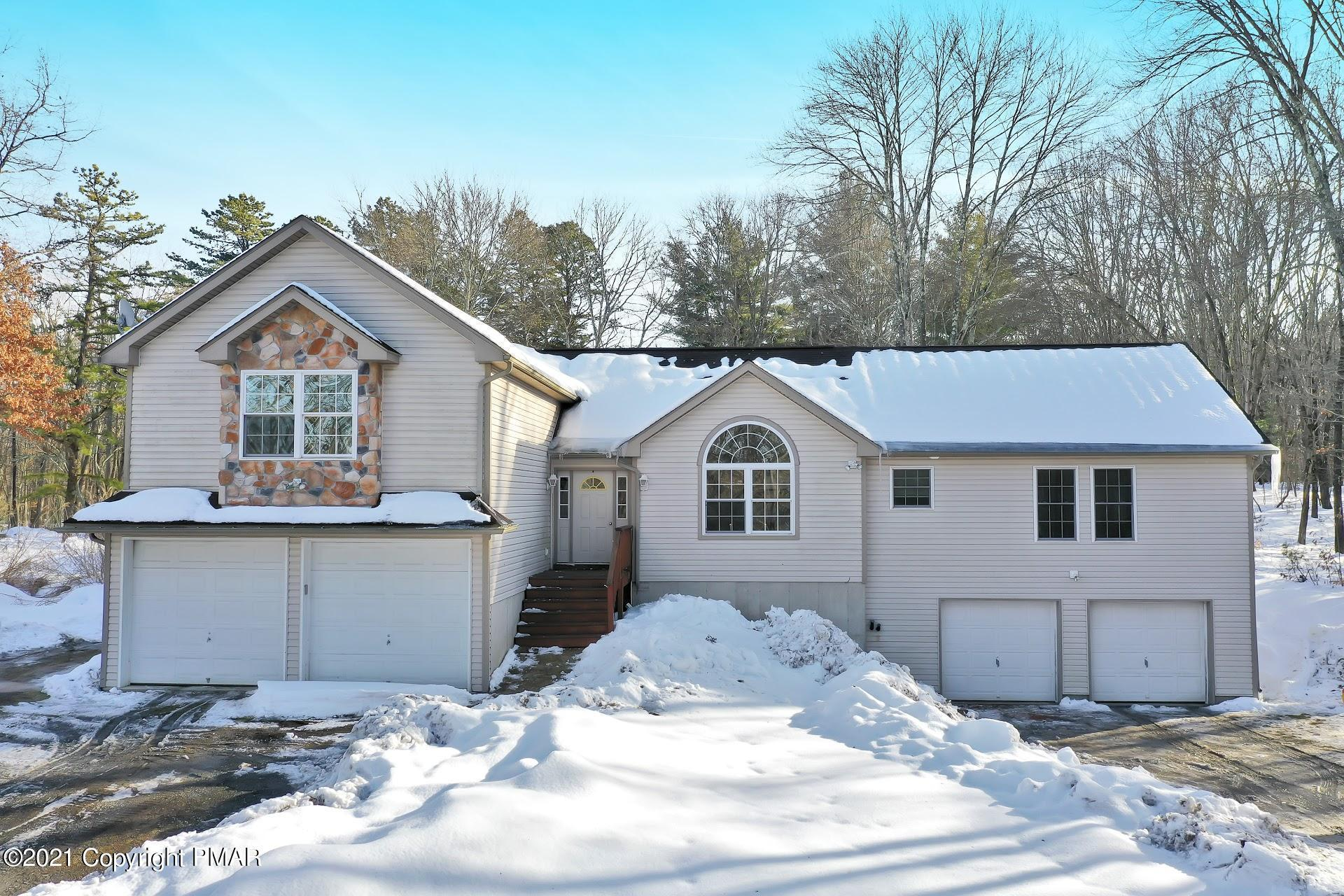 232 Cherry Lane Rd, Bartonsville, PA 18321