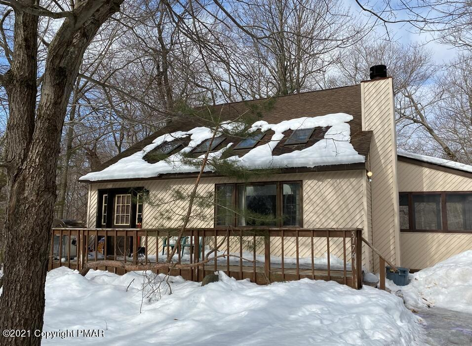 5176 Iroquois St, Tobyhanna, PA 18466