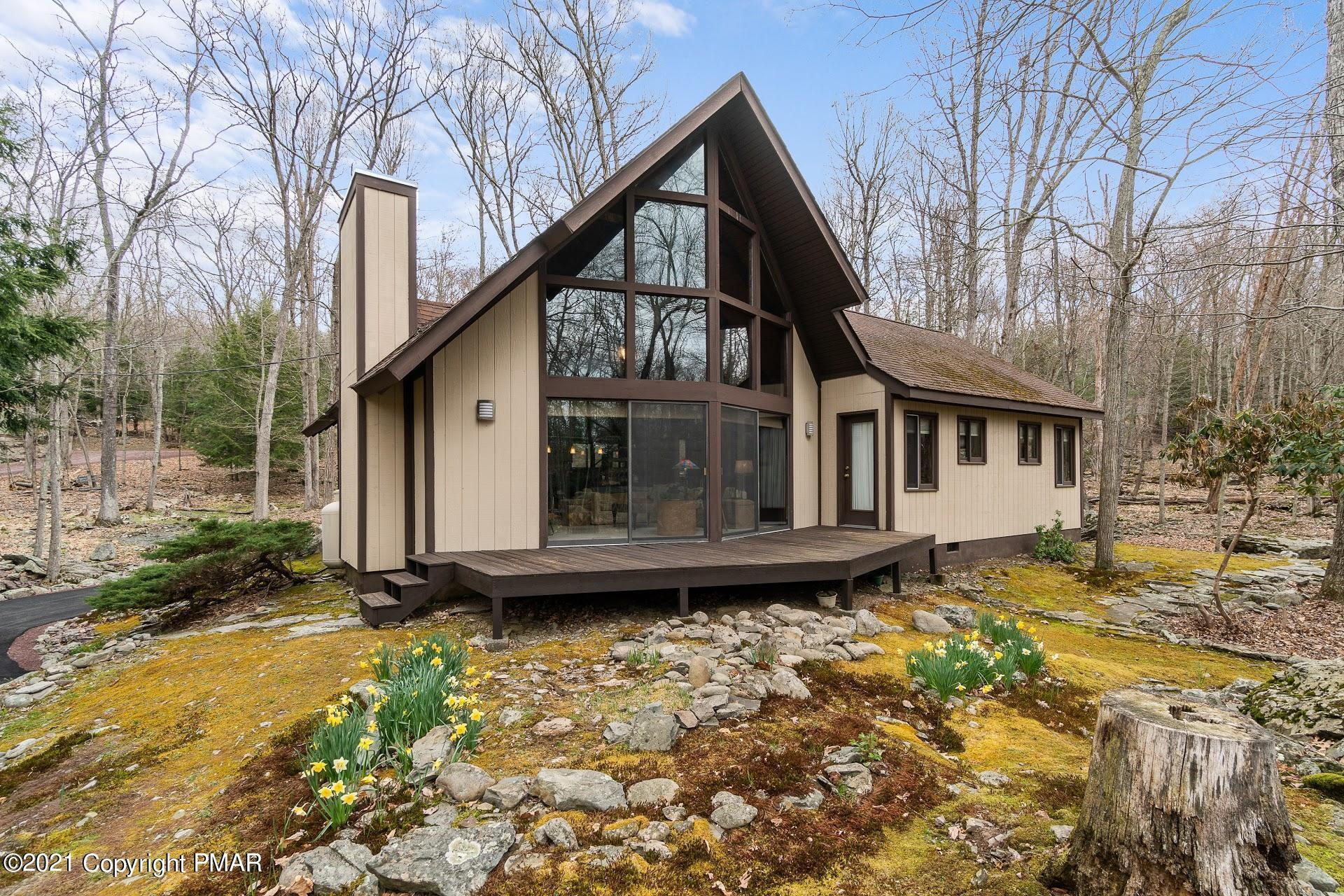114 Forest Dr, Canadensis, PA 18325