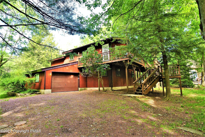 310 Cedar Dr, Long Pond, PA 18334