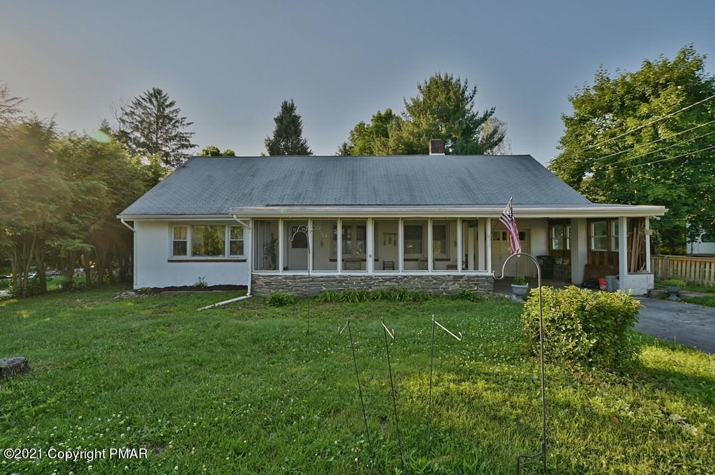 430 Oakwood Ave, Stroudsburg, PA 18360