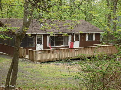 Single Family Home For Sale: 145 Sandstone Dr