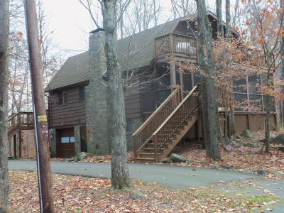Indian Rocks Single Family Home For Sale: 36 Whitetail Ln