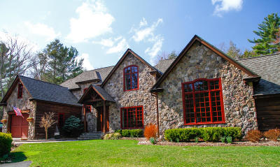 Lakeville Single Family Home For Sale: 27 Spring Brook Cir