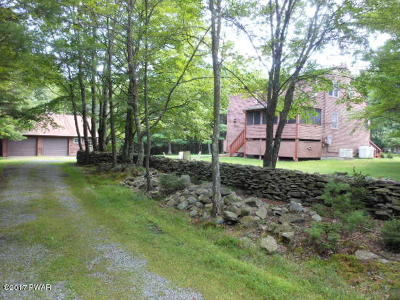 Milford Single Family Home For Sale: 542 Raymondskill Rd