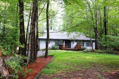 Hemlock Farms Single Family Home For Sale: 107 Tupelo Dr