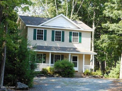 Hemlock Farms Single Family Home For Sale: 805 Hillview Place S