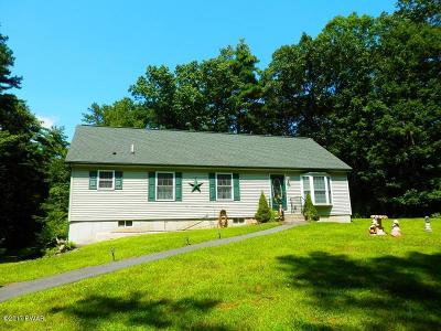 Milford Single Family Home For Sale: 379 Long Meadow Rd