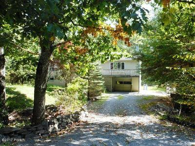 Lords Valley Single Family Home For Sale: 215 Comstock Dr