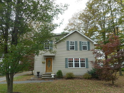 Milford PA Single Family Home For Sale: $209,000