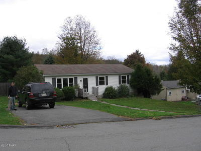 Honesdale Single Family Home For Sale: 104 Crestmont Dr