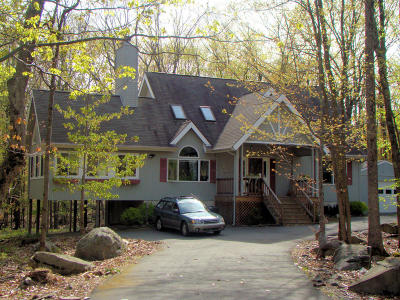 Lords Valley PA Single Family Home For Sale: $198,500