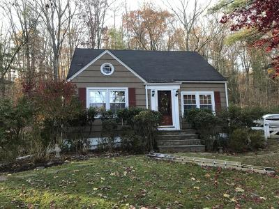 Milford Single Family Home For Sale: 105 Nearing Ln