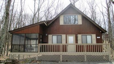 Hemlock Farms Single Family Home For Sale: 129 Hickory Dr