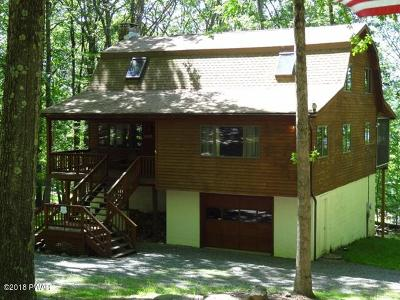 Lakeville Single Family Home For Sale: 10 Cherokee Ct