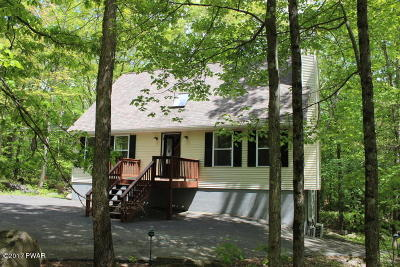Hemlock Farms Single Family Home For Sale: 207 Basswood Dr