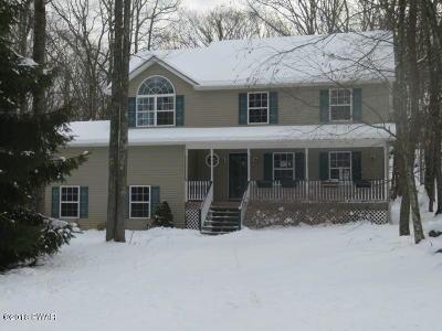 Hemlock Farms Single Family Home For Sale: 139 Broadmoor Dr