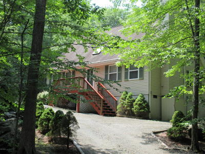Hemlock Farms, Hemlock Farms Single Family Home For Sale: 220 Forest Dr
