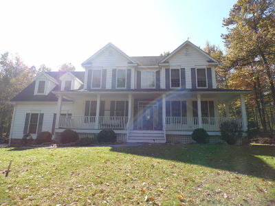 Milford Single Family Home For Sale: 106 Ivy Ln