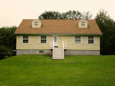 Lakeville Single Family Home For Sale: 28 Lakeville Ct