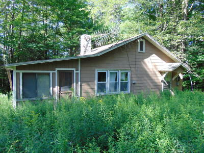 Greentown Single Family Home For Sale: 105 Castle Hill Rd