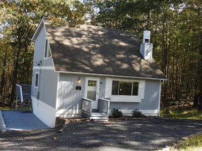 Sunrise Lakes Single Family Home For Sale: 137 Buck Run Dr