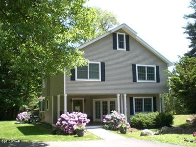 Milford Single Family Home For Sale: 106 Doc Stroh Ln