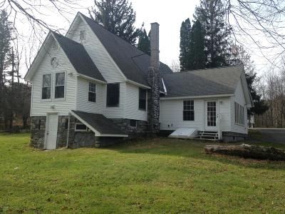 Milford PA Single Family Home For Sale: $138,500