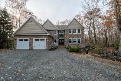 Hemlock Farms Single Family Home For Sale: 212 Canterbrook Dr