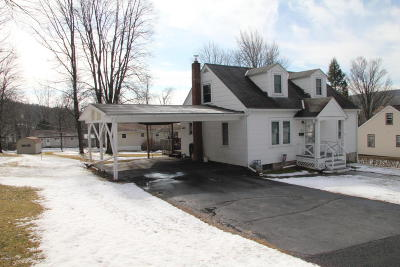 Honesdale Single Family Home For Sale: 160 Young St