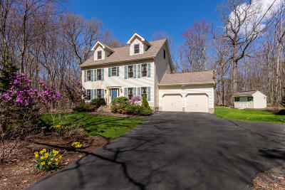 Milford Single Family Home For Sale: 159 Privet Ln