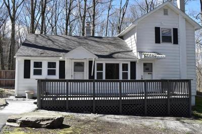 Hawley PA Single Family Home For Sale: $119,900