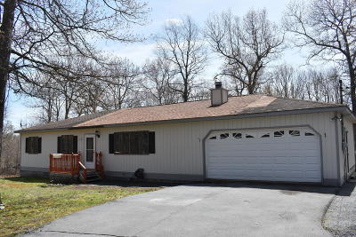 Milford Single Family Home For Sale: 219 Wild Meadow Drive