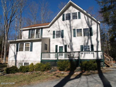 Wallenpaupack Lake Estates Single Family Home For Sale: 1227 Commanche Cir