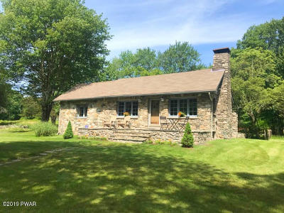 Matamoras Single Family Home For Sale: 320 Heaters Hill Rd