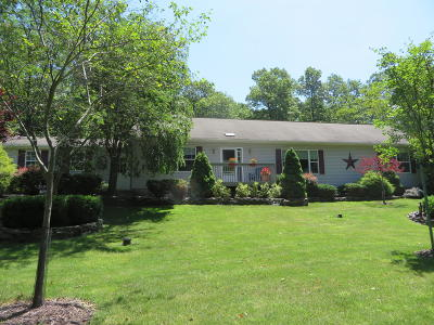 Single Family Home For Sale: 137 Maple Ridge Rd