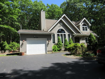 Hemlock Farms Single Family Home For Sale: 305 Forest Dr