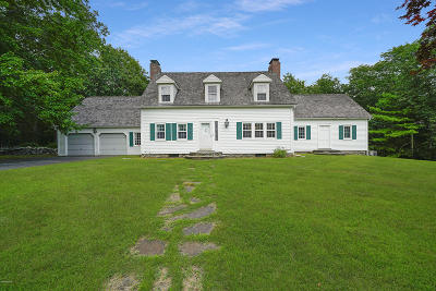 Milford Single Family Home For Sale: 285 Cummins Hill Rd