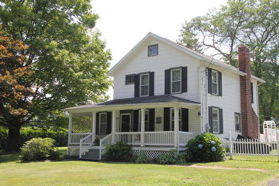 Waymart Single Family Home For Sale: 126 Carbondale Rd