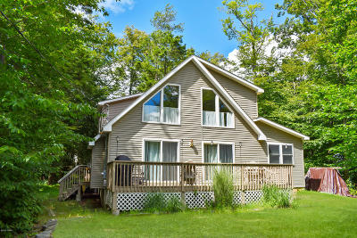 Wallenpaupack Lake Estates Single Family Home For Sale: 1008 Mockingbird Ln